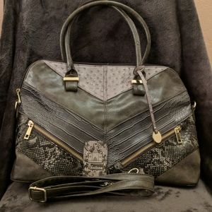 Chateau tote bag with shoulder strap